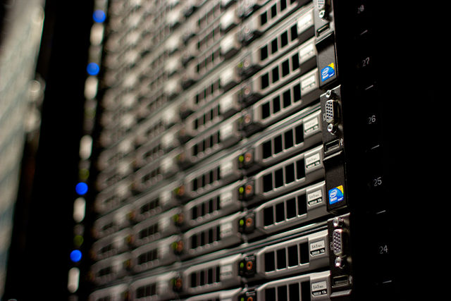 640px-Wikimedia_Foundation_Servers-8055_17