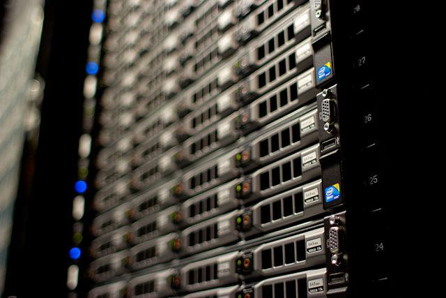 640px-Wikimedia_Foundation_Servers-8055_17